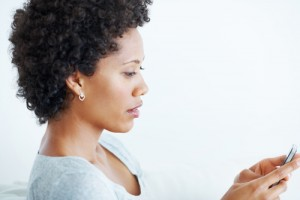black-woman-texting-pf